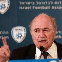 Blatter, più forte degli scandali punta al quinto mandato