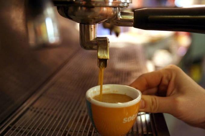 """Efsa: """"Fa male bere più di 4 tazzine caffè al giorno"""""""