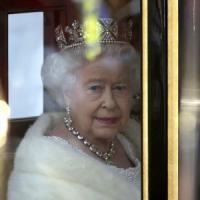 Regno Unito, la regina conferma: referendum su appartenenza all'Ue entro 2017
