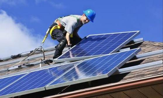 La California regala pannelli solari alle famiglie a reddito basso
