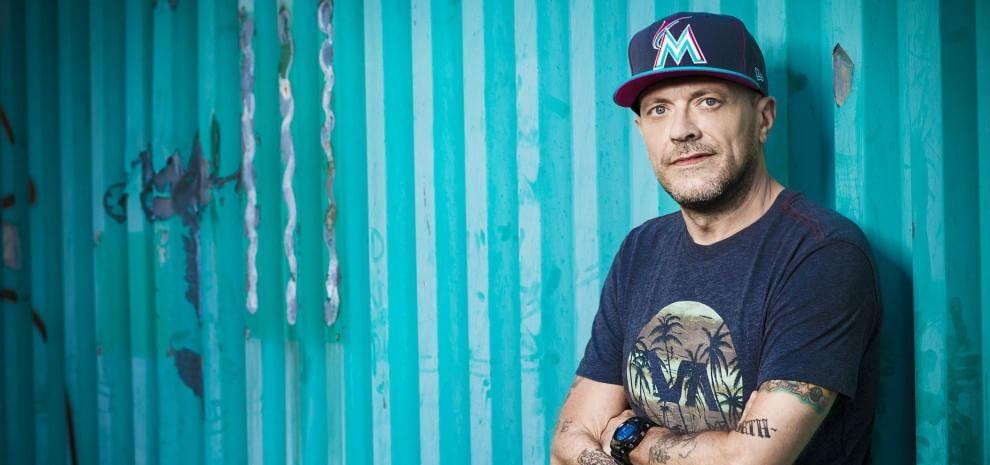 """""""Astronave Max"""", il nuovo album di Max Pezzali: """"Ho tolto gli specchi e adesso sono io"""""""