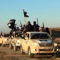 Iraq, scoperta fossa a Tikrit con 470 corpi. In Siria 464 vittime in un mese, la metà a...