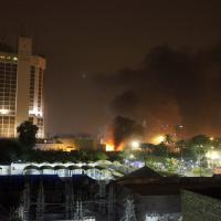 Bagdad, esplodono due autobomba vicino a hotel di lusso, L'Is rivendica