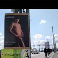 Danimarca, i manifesti del candidato premier: nudo col cinturone