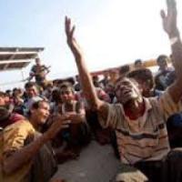 Rohingya, gli apolidi birmani abbandonati in mare e sterminati nelle fosse
