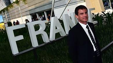 """Europa, la sfida di Manuel Valls  """"Il populismo avanza, ascoltare la rabbia"""""""