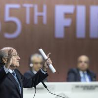 Fifa, Blatter attacca: