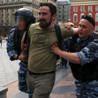 Fallisce il gay pride a Mosca: scontri e arresti