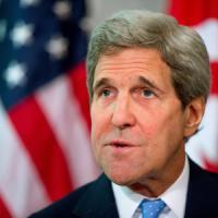 Francia, Kerry cade in bici e si rompe il femore: cancellate le visite a Parigi e a Madrid