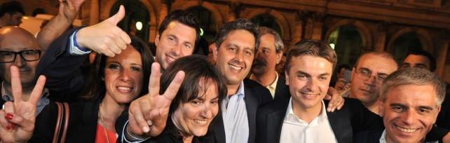 Elezioni, verso il 5-2.  La  Liguria  va a Toti    foto   proiezioni: vince De Luca, ma spoglio fa tremare     Umbria  a Marini . Affluenza crolla: solo 52%  foto