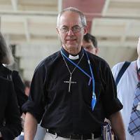 """""""Dio è anche donna"""". La sfida delle anglicane per riscrivere le preghiere"""