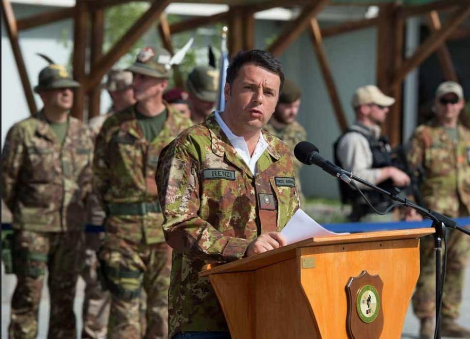 Afghanistan, Renzi a Herat con la giacca mimetica