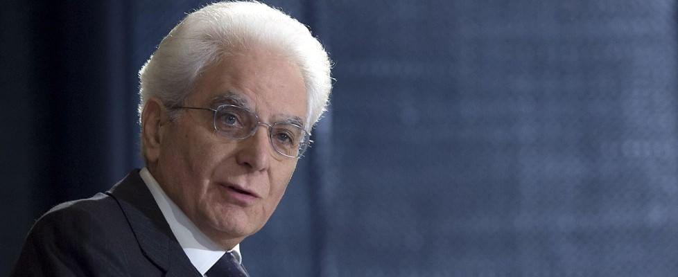 """Mattarella: """"Sradicare corruzione"""". 2 giugno, segnali di speranza: """"Si intravede uscita da crisi"""""""