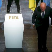 Dimissioni Blatter, Platini: