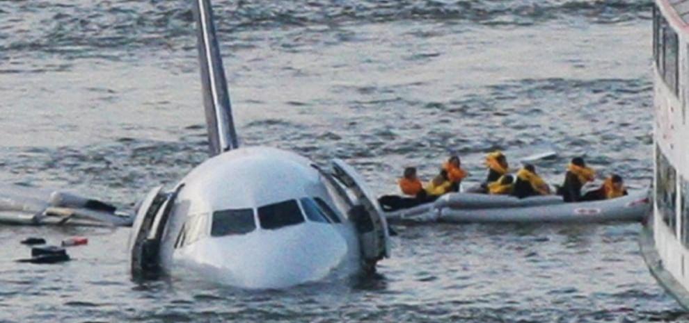 """""""Miracolo sull'Hudson"""": la storia del pilota che atterrò sul fiume, firmata Clint Eastwood"""