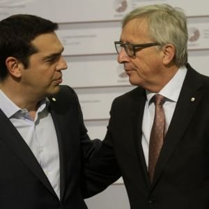 """Grecia, stretta finale per l'accordo. Tsipras da Juncker. """"Buon incontro, ci rivedremo"""""""