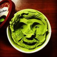 Facce buffe che mettono di buonumore: quando il gelato diventa arte
