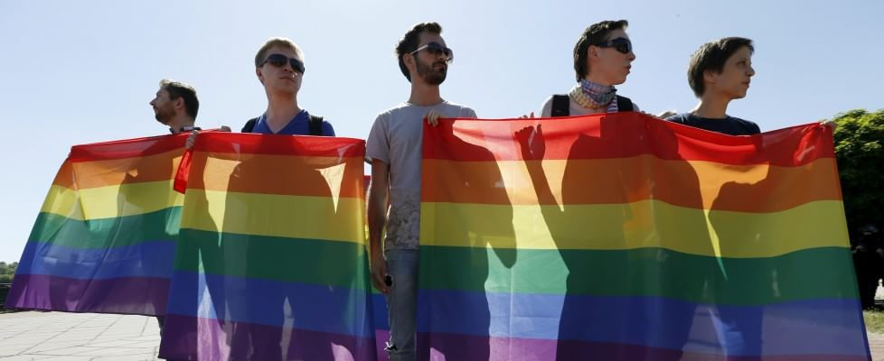 Ucraina, scontri al gay pride: poliziotti feriti e 30 arresti tra gli ultra-nazionalisti