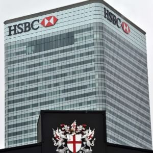 Hsbc vara maxi piano di ristrutturazione: a casa 50 mila dipendenti