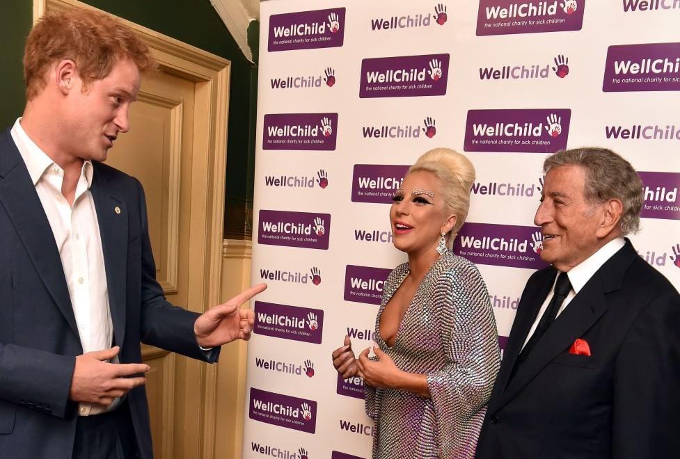 Londra: concerto benefico, Harry d'Inghilterra ringrazia Lady Gaga e Tony Bennet