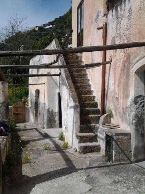 Alicudi, in vendita la casa di ''Caro Diario''