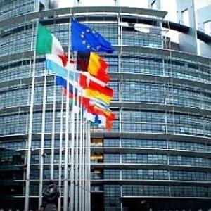 """Parità di genere, Parlamento Ue: """"Riconoscere diritti famiglie gay"""""""