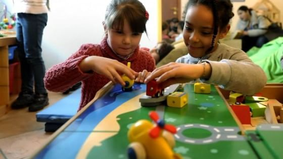 Non solo a scuola: l'intelligenza dei figli si sviluppa tra le mura domestiche