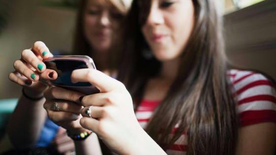 Italiani e Twitter, più cinguettii la sera davanti alla tv