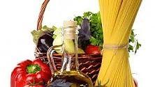 Dieta mediterranea  è a rischio: globalizzazione  e stili di vita  ne minano le basi   di CHIARA NARDINOCCHI