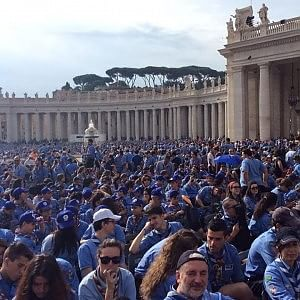"""Il Papa incontra gli scout: """"Creare ponti e non muri con la società"""": il liveblog"""