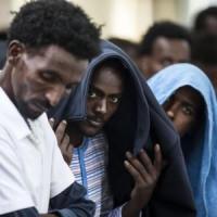 Migranti, il piano europeo accelera sui rimpatri. Ma resta lo scontro nella Ue