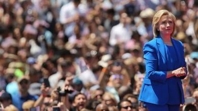 Il primo comizio di Hillary Clinton -   video