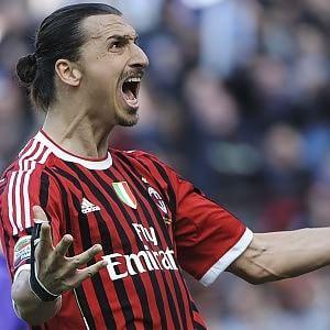 Mercato, Ibrahimovic vuole il Milan: Raiola vola a Doha per svincolarlo