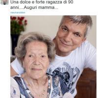 ''Auguri mamma, dolce ragazza di 90 anni'', il tweet di Nichi Vendola