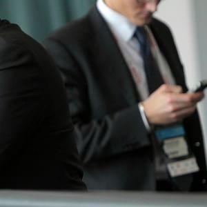 """Jobs Act, controlli a distanza su Pc e telefonini. La Cgil: """"Un colpo di mano"""""""