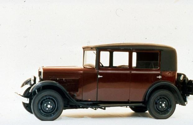 Peugeot, che storia: ecco le antenate, dalla 201 alla 204