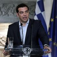 Grecia, vertice d'emergenza lunedì: mercati contrastati