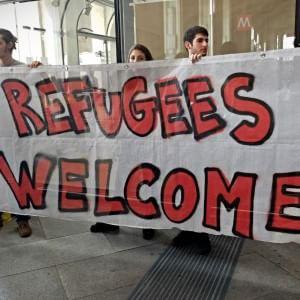 """Migranti, il Viminale: """"Status di rifugiato negato a uno su due"""". Ue, vi a libera a missione anti-scafisti"""