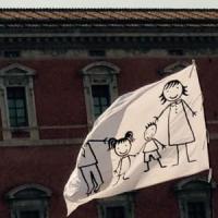 Family day, in piazza con tanti bambini: