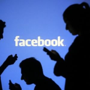 Facebook, arriva 'See First': davanti a tutto i post che ci interessano davvero