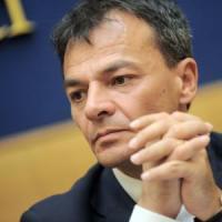 """Stefano Fassina: """"Il Pd ormai è pieno di banchieri, la vera sinistra oggi è Papa..."""