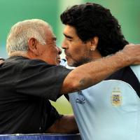 Addio Don Diego, Argentina in lutto per la morte del papà di Maradona