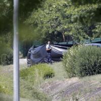Attentato Francia: i primi soccorsi e l'arrivo della polizia alla fabbrica