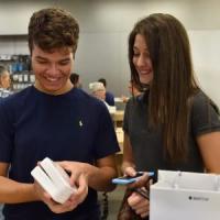 Il conto alla rovescia è finito: da oggi Apple Watch è arrivato anche in Italia