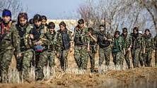 """Il sindaco di Kobane  e la comandante curda Nessrin: """"Stiamo respingendo l'Is""""   di STEFANO PASTA"""