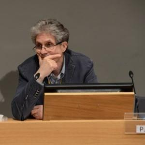 Francia via libera alla legge sulla sorveglianza di massa for Aggiunte alla legge