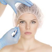 Chirurgia estetica, stop a photoshop e modelle. Nuove regole dall'Europa