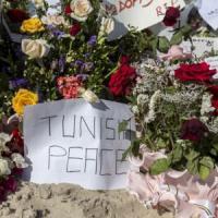 Strage in Tunisia, arrestato gruppo di complici. Mille agenti nei resort
