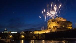 Girandola a Castel Sant'Angelo    fuochi nella notte di Pietro e Paolo