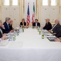 """Nucleare Iran, negoziati prorogati al 7 luglio. Zarif: """"Siamo qui per un accordo, si può..."""